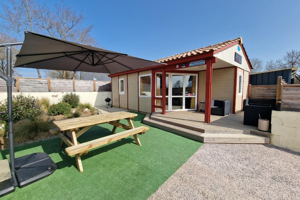 Terrasse du chalet Triskell de la Baie  - Location de vacances - Saint-Marcan