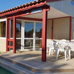 Jardin et salon extérieur  - Location de vacances - Saint-Marcan