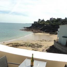 Vue depuis la terrasse - Appartement Au pied des Vagues à Saint-Enogat - Location de vacances - Dinard