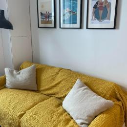 Point d'eau dans la chambre aux 2 lits simples jumelables - Appartement Bleu Cancale - Outremer sur le Port de la Houle - Location de vacances - Cancale
