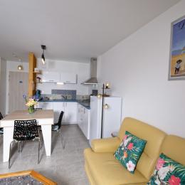 Dans la pièce de vie - Appartement de vacances Le Newquay Sunset - Location de vacances - Dinard