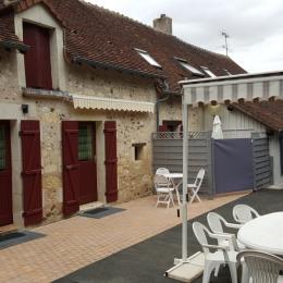 Façade gite - Location de vacances - Veuil