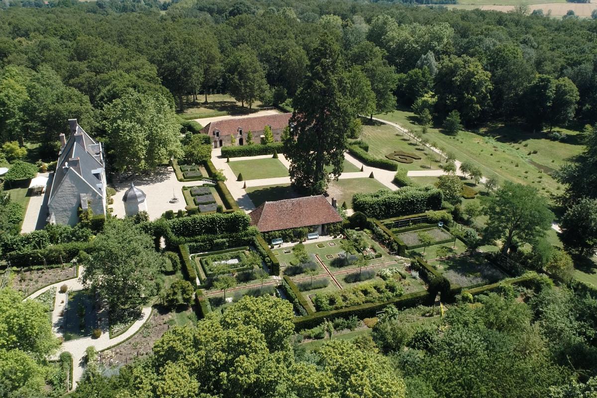 Le manoir Renaissance du domaine de Poulaines - Location de vacances - Poulaines