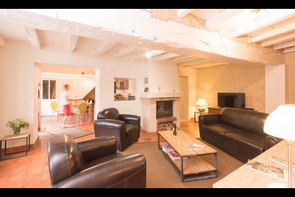 Salon avec canapé Lit - Location de vacances - Chitray