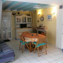 La pièce à vivre - Location de vacances - Saint-Épain