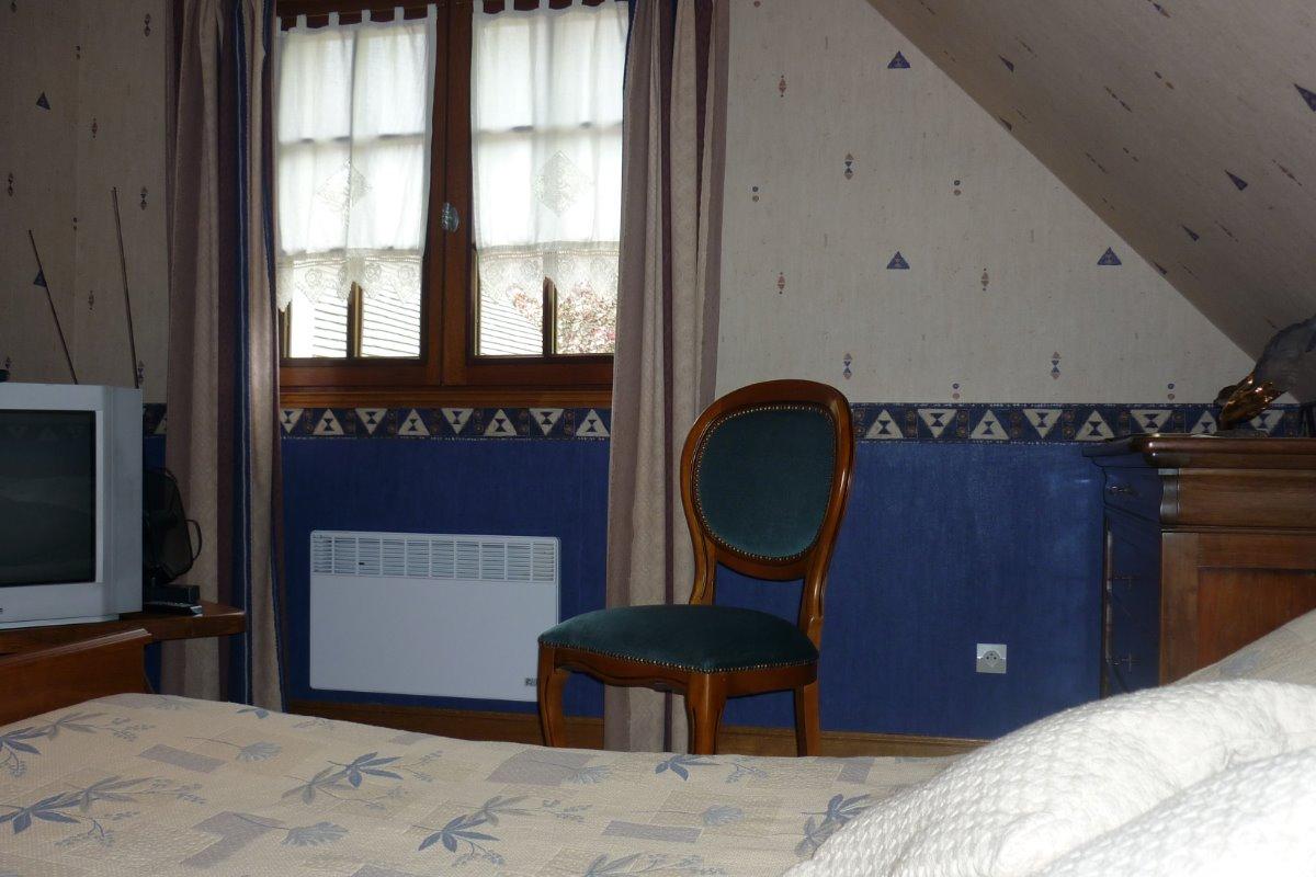 chambre n2 lit 160 cm - Chambre d'hôtes - Civray-de-Touraine