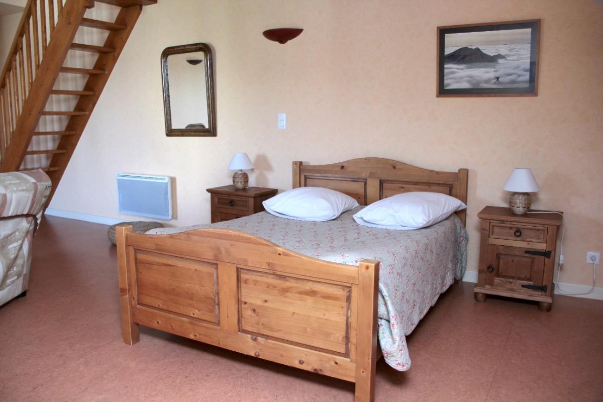 Chambres d'hôtes la Gloriette proximité Lac de Paladru (Isère) -- chambre - Chambre d'hôtes - Val-de-Virieu