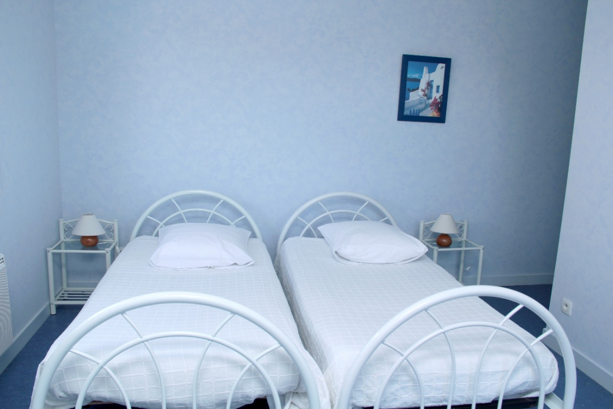 Chambres d'hôtes avec piscine couverte chauffée proche Lac Paladru - Chambre d'hôtes - Val-de-Virieu