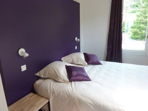 Chambre suite Cassis lit de 160 pour 2 personnes - Chambre d'hôtes - La Buisse