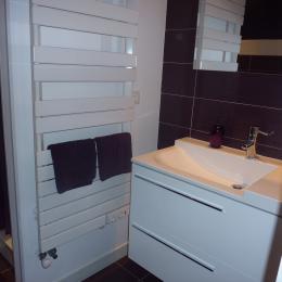 Salle de bain chambre 4 personnes - Chambre d'hôtes - La Buisse