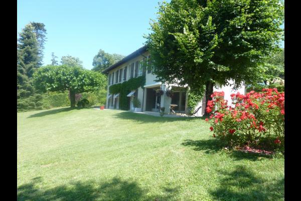 Maison avec jardin - Chambre d'hôtes - La Buisse