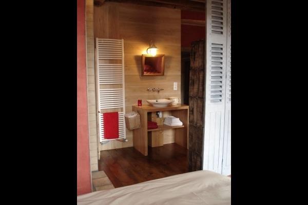 SDB ouverte sur la chambre - Chambre d'hôtes - Auberives-en-Royans