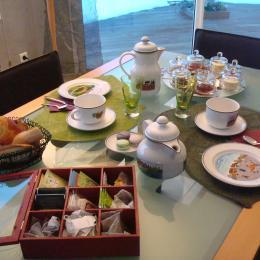 petit déjeuner - Chambre d'hôtes - Saint-Nazaire-les-Eymes