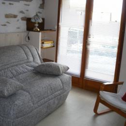 séjour canapé BZ mode jour - Location de vacances - Hières-sur-Amby
