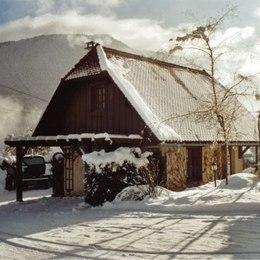 Propriété en hiver, avec montagnes de Chartreuse - Location de vacances - Saint-Pierre-d'Entremont