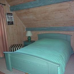 Chambre étage (lit 140) - Location de vacances - Saint-Pierre-d'Entremont