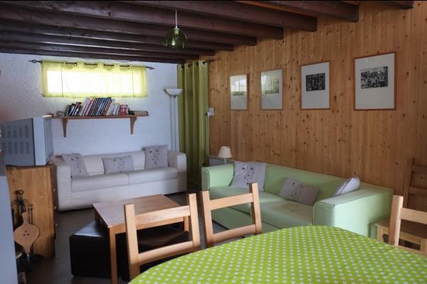 Maison de vacances rénové façon chalet à Lans en Vercors - pièce de vie - Location de vacances - Lans-en-Vercors