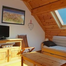 Appartement à Venosc - 2 Alpes avec vue imprenable sur le sommet de la Muzelle (3465m) - Coin couchage dans le séjour - Location de vacances - Vénosc