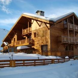Aux pieds des pistes, terrasse exposée sud, 8 personnes = des vacances de rêve aux Deux Alpes ! - Location de vacances - les Deux Alpes