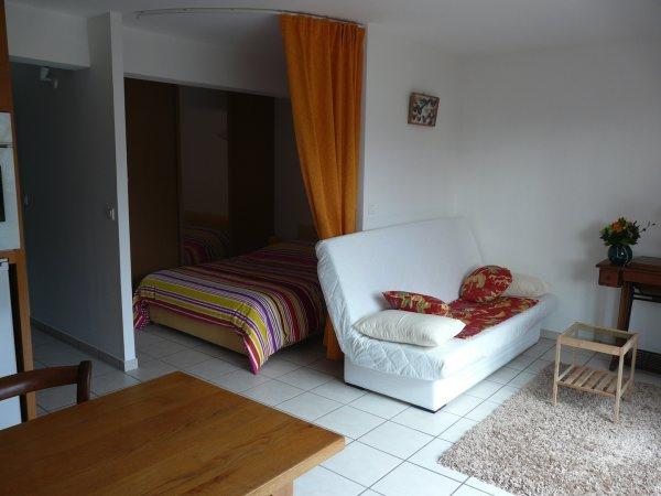 Studio ou chambre pour 2 personnes (proche Grenoble) à Saint Nazaire les Eymes - Isère - Location de vacances - Saint-Nazaire-les-Eymes