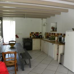 Cuisine-salle à manger - Location de vacances - Corbelin