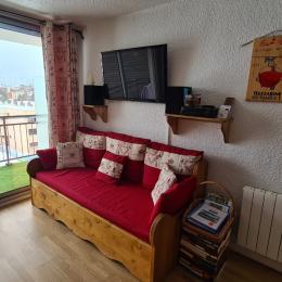 cuisine complète avec four à pyrolyse, frigo/congélateur, plaque à induction, four à micro-onde, , lave linge/sèche linge, - Location de vacances - les Deux Alpes