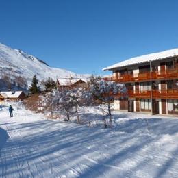 Studio dans chalet au pied des pistes, dans quartier résidentiel calme Deux Alpes - Location de vacances - les Deux Alpes