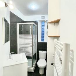 cuisine toute équipée et coin bureau - Location de vacances - Grenoble