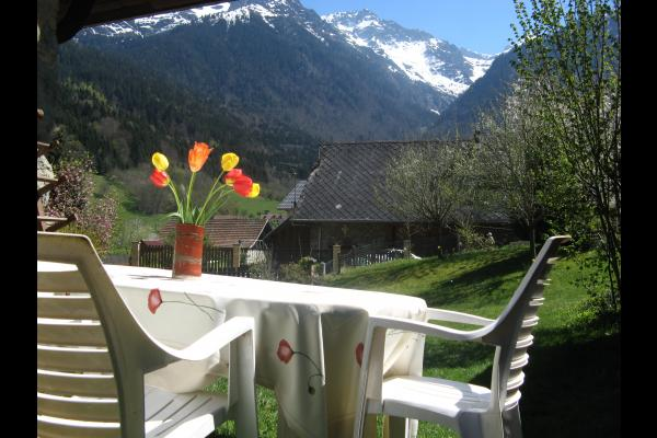salon de jardin avec vue - Location de vacances - Saint-Mury-Monteymond