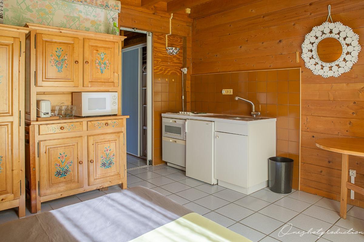 kitchenette dans grande chambre - Location de vacances - les Deux Alpes