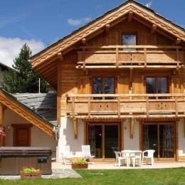 Chalet Faverot 1:  12/14 personnes style montagnard au coeur des pistes avec jacuzzi et piscine aux 2Alpes - Location de vacances - les Deux Alpes