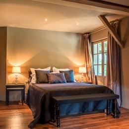 Chambres d'hôtes de charme idéalement situées : golf d'Anthon, stade de Lyon, aéroport, Pérouges - Chambre Marquis - Ferme de Gringalet - Chambre d'hôtes - Anthon