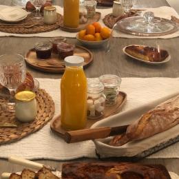 Chambres d'hôtes de charme idéalement situées : golf d'Anthon, stade de Lyon, aéroport, Pérouges - Chambres d'hôtes - Ferme de Gringalet - Chambre d'hôtes - Anthon