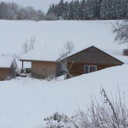 Les Chalets dans le Camping des Petites Roches - Location de vacances - Plateau-des-Petites-Roches