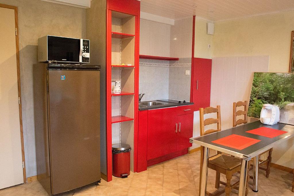Chambres d'hôtes en Isère proche Bourgoin Jallieu - Coin petit déjeuner - Chambre d'hôtes - Meyrié