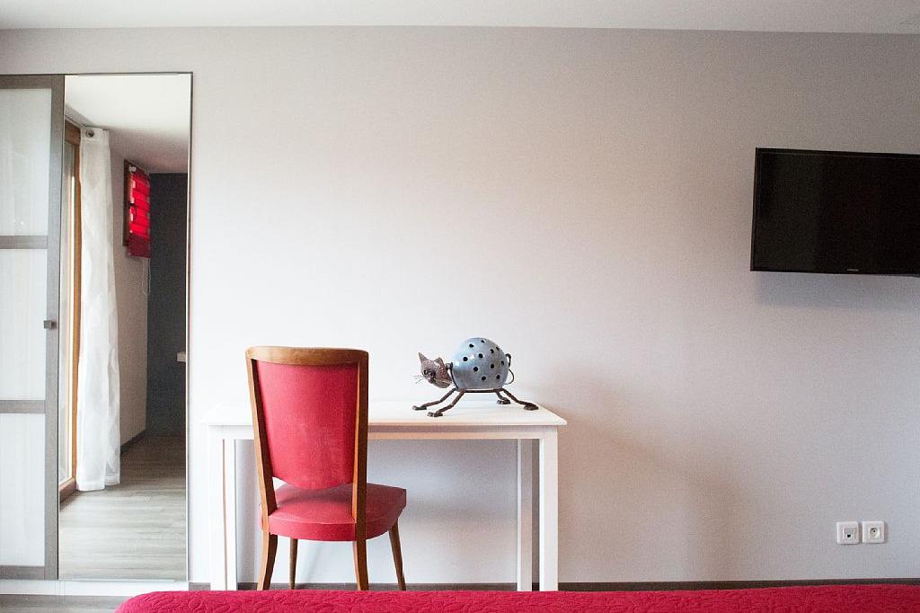 Chambres d'hôtes entre Lyon et Grenoble vers Bourgoin Jallieu - Chambre avec accès terrasse - Chambre d'hôtes - Meyrié