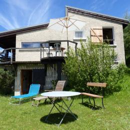 jardin et façade sud  - Location de vacances - Lans-en-Vercors