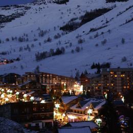 vue sur la station du balcon le soir - Location de vacances - les Deux Alpes