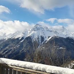 Départs ESF - Rue Centrale piétonnière et skieurs - Location de vacances - Oz