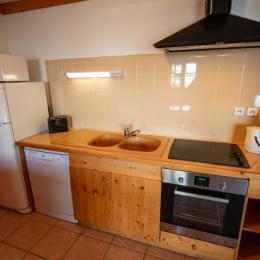 Chambre 2 lits (chambre avec salle de bain et toilettes individuels) - Location de vacances - Oz