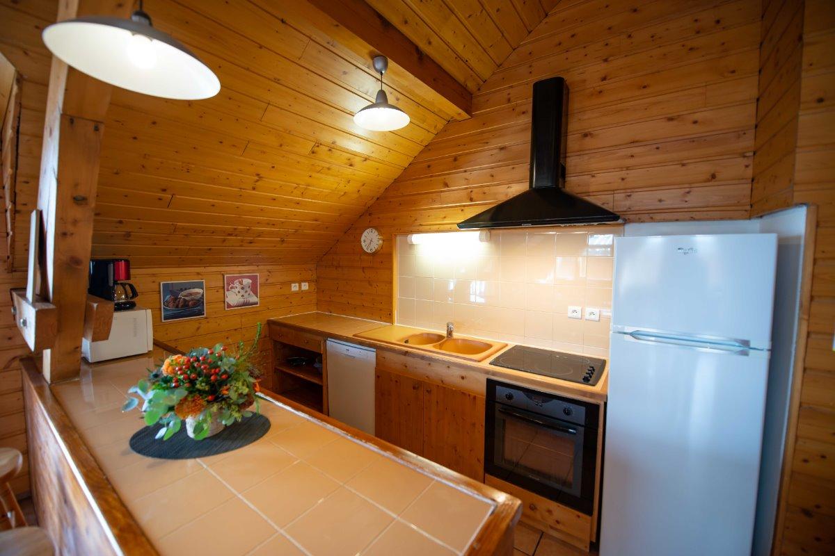 1 chambre avec salles de bain (douche) privatives - 4 autres chambres avec salles de Bain avec baignoire - Location de vacances - Oz