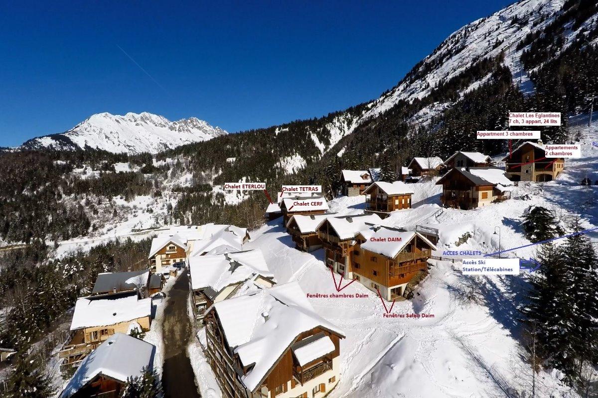 Secteur chalets Pré-GentyA droite: accès/départ à ski / Chalet Les Eglantines - Location de vacances - Oz