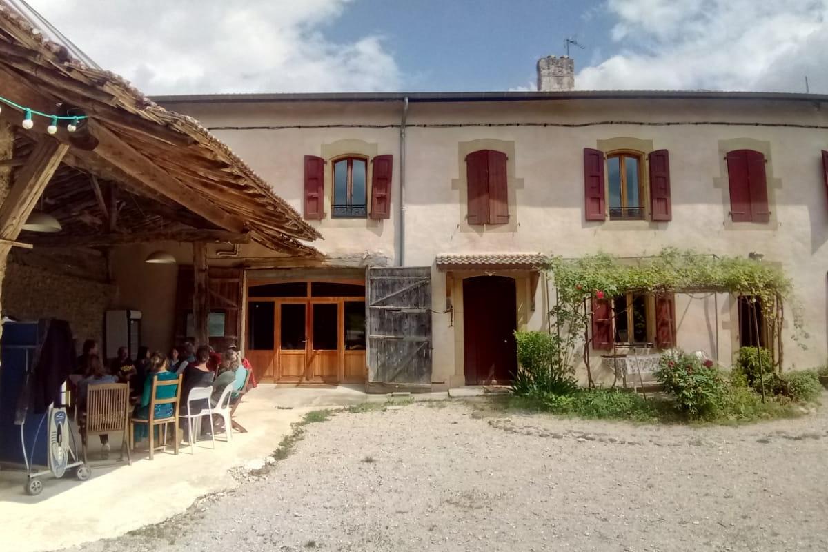 la bibliothèque, jeux, piano etc - Location de vacances - Auberives-en-Royans