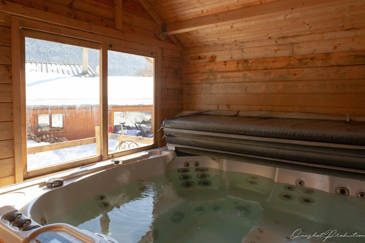 Sauna et jacuzzi - Location de vacances - Saint-Andéol