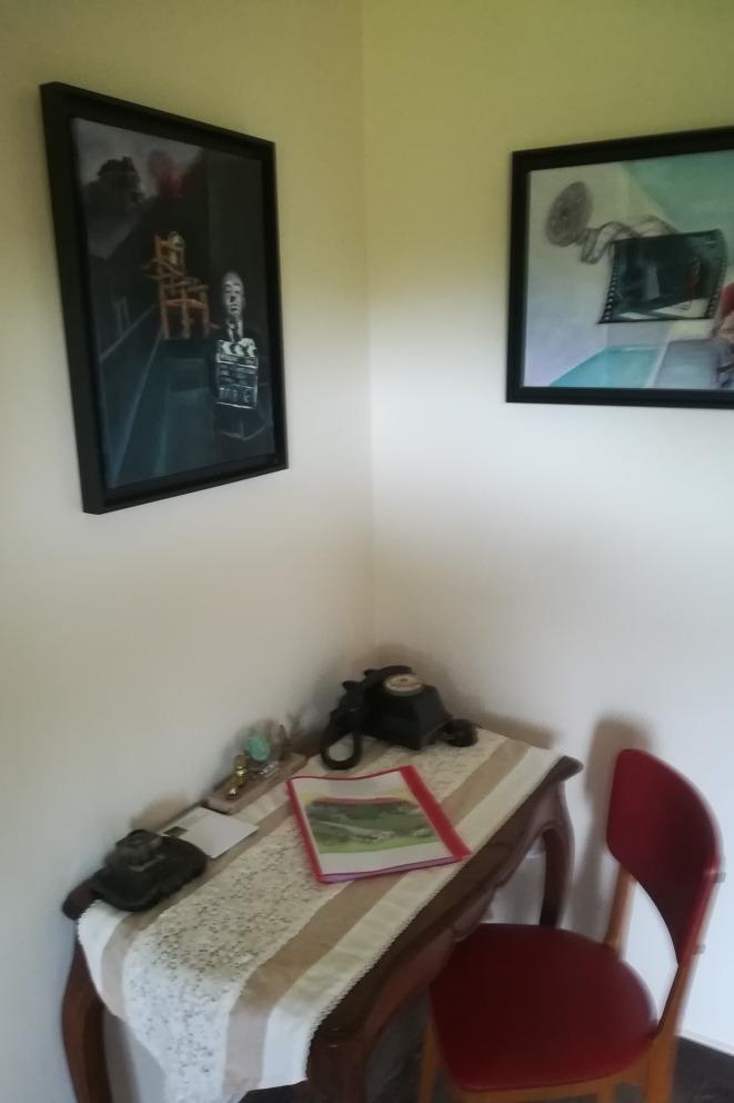 Petit boudoir de la suite Les Glycines - Chambre d'hôtes - Sermérieu