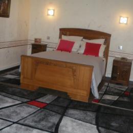 Chambre de la suite Les Glycines - Chambre d'hôtes - Sermérieu