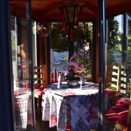 Maison de thé - Location de vacances - Pierre-Châtel