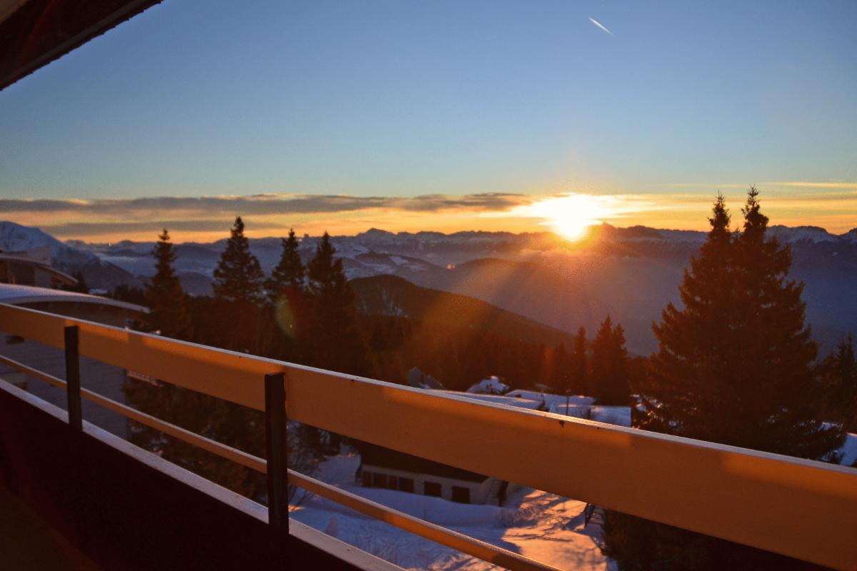 Les soleils couchant depuis l'appartement sont un vrai spectacle :) - Location de vacances - Chamrousse