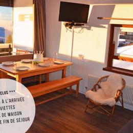 Profitez d'une vue magnifique sur la vallée et les couchers de soleil tout en savourant les spécialités montagnardes - Location de vacances - Chamrousse