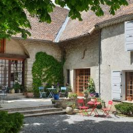 Chambre d'hôtes dans le Trièves, au pied du Mont Aiguille, pour 2 personnes à Chichilianne, Isère / Les Vagabonds du Mont - AZUR - Chambre d'hôtes - Chichilianne
